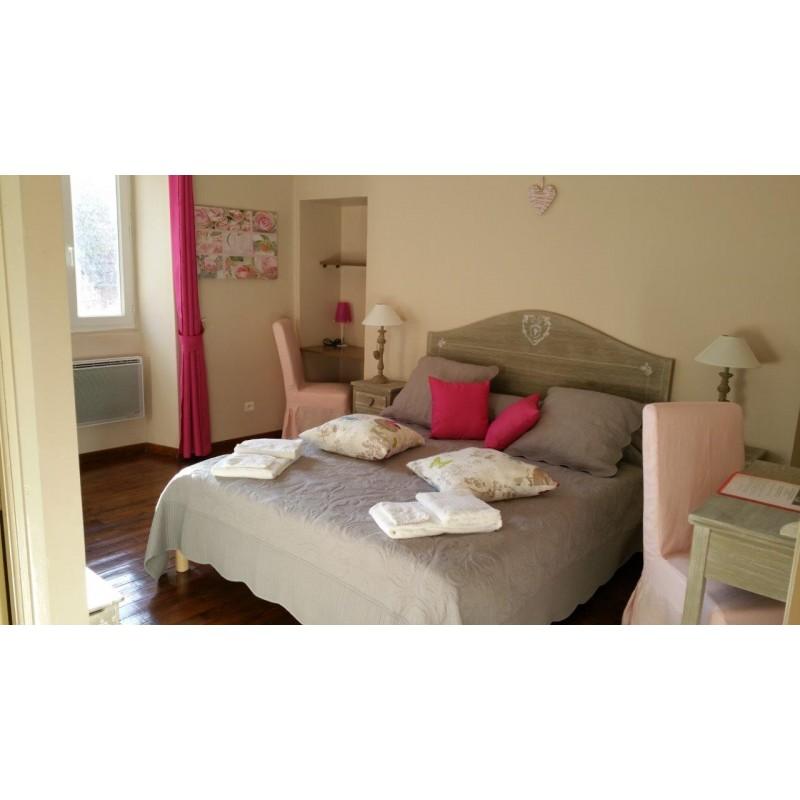 chambre romantique. Black Bedroom Furniture Sets. Home Design Ideas